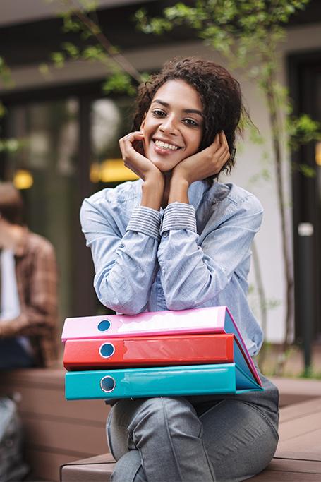 Elige un programa de estudio con Jminyetty Travel